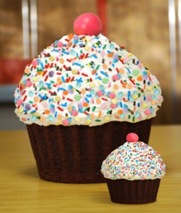 Large-Cupcake-Birthday-cake